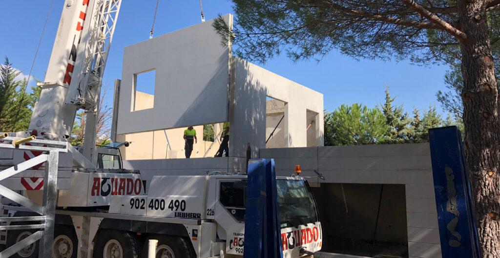 ¿Cuál es el proceso productivo en la construcción de viviendas de hormigón preindustrializado?